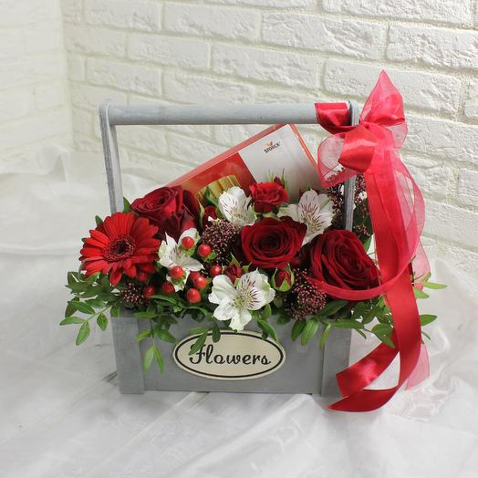 Сладости в ящике: букеты цветов на заказ Flowwow