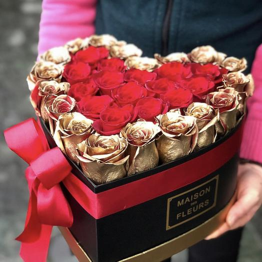 Gold roses in box: букеты цветов на заказ Flowwow