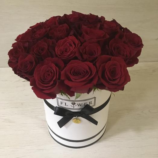 Эквадорские Розы в коробке: букеты цветов на заказ Flowwow