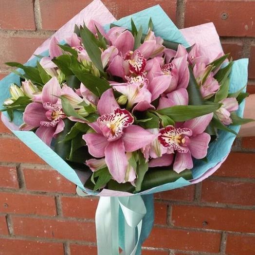 """""""Зимний сон"""" букет с 9 орхидеями: букеты цветов на заказ Flowwow"""