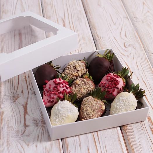 Клубничный бархат: букеты цветов на заказ Flowwow