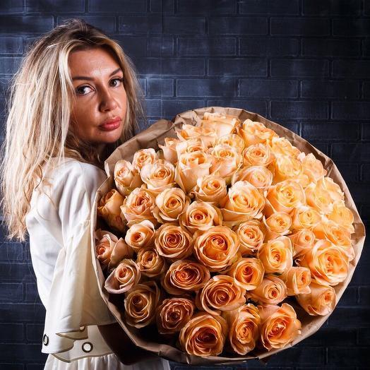 Букет из нежных кремовых роз: букеты цветов на заказ Flowwow