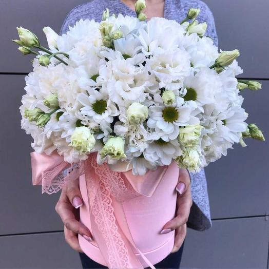 Коробочка из хризантем и эустомы): букеты цветов на заказ Flowwow