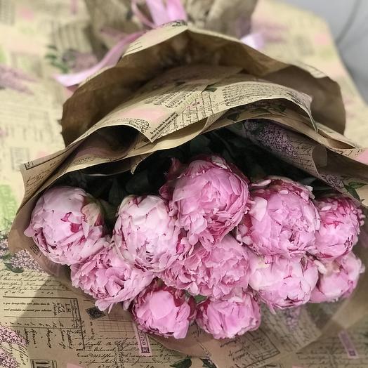 Пионы Премиум в крафте: букеты цветов на заказ Flowwow