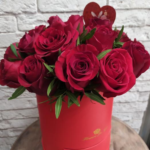 Коробка для любимой со сладким сюрпризом: букеты цветов на заказ Flowwow
