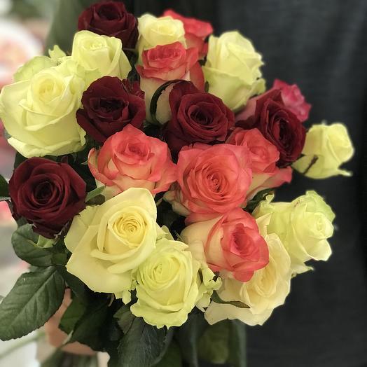21 разноцветная Роза: букеты цветов на заказ Flowwow