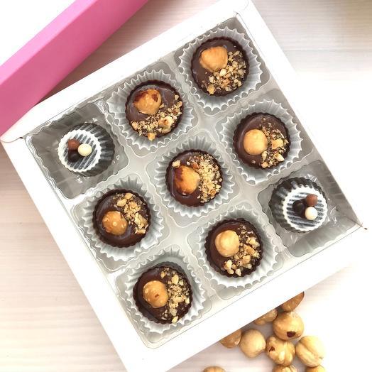 «Лесная сказка» чашечки из темного бельгийского шоколада с шоколадной карамелью и фундуком
