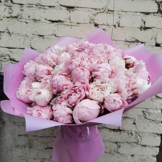 Букет из 35 пионов Сара Бернар: букеты цветов на заказ Flowwow