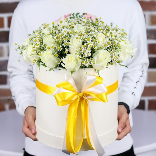 Коробки с цветами. Ромашки. Розы белые. N154