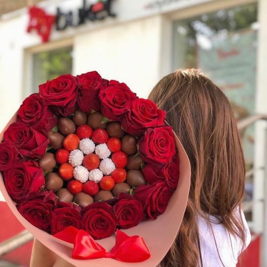 Клубничный букет «Вкус любви»