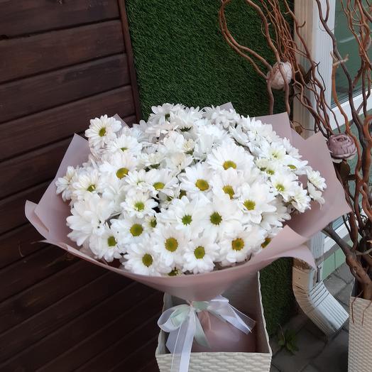 Объемный букет из хризантем