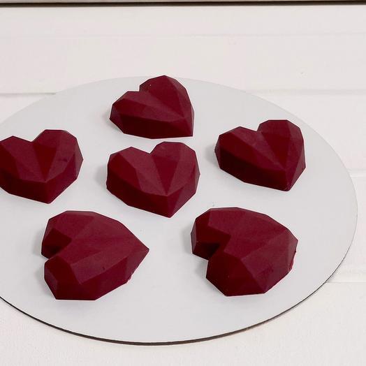 Пирожное в шоколаде Сердце геометрия