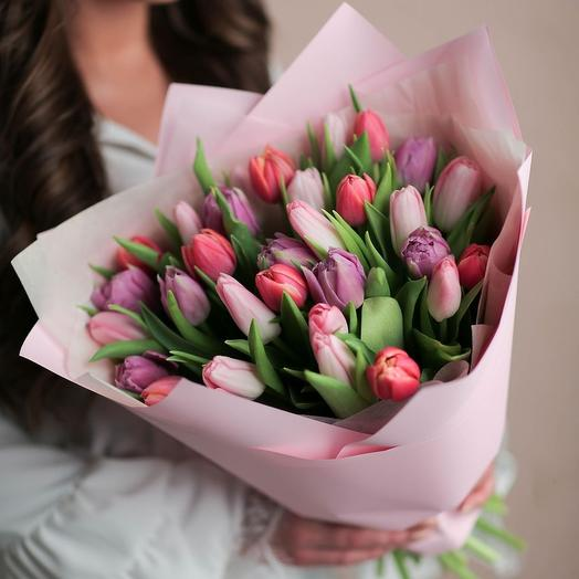 Нежный микс из тюльпанов