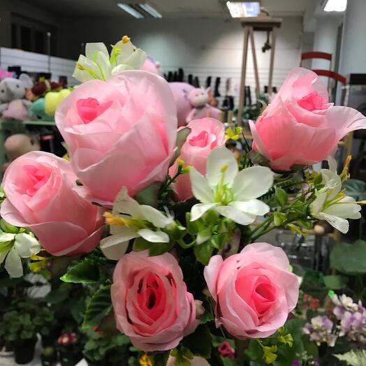 Искуственный букет роз