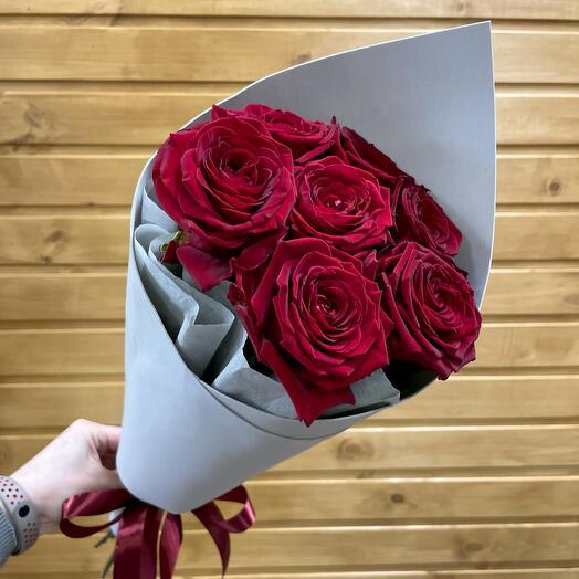 Букет «Red Naomi 7»