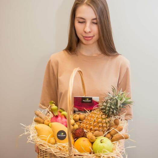 "Корзина фруктов ""Маскарад"""