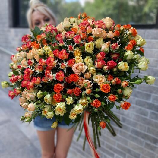 Букет из 39 кустовых роз