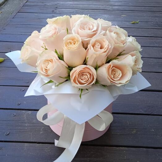 Пудровые Розы в коробочке