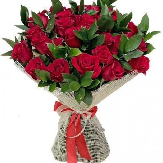 21 красная роза с оформлением