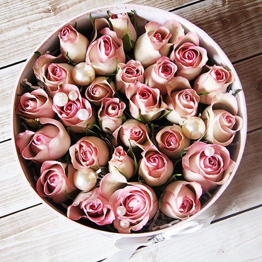 Розы в коробочке: букеты цветов на заказ Flowwow