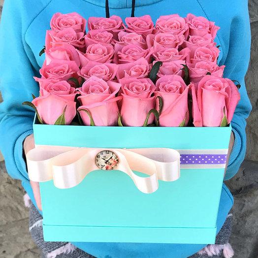 "Квадратная коробка с розовыми розами ""Карина"": букеты цветов на заказ Flowwow"