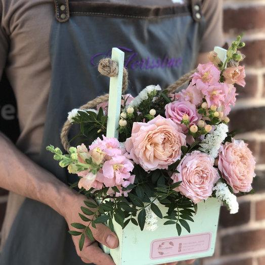 """Композиция в деревянном ящике """"Люция"""": букеты цветов на заказ Flowwow"""
