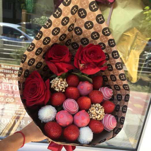 Букет из клубники Комплимент: букеты цветов на заказ Flowwow