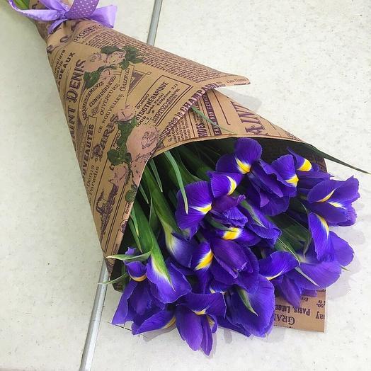 15 ирисов в крафте: букеты цветов на заказ Flowwow