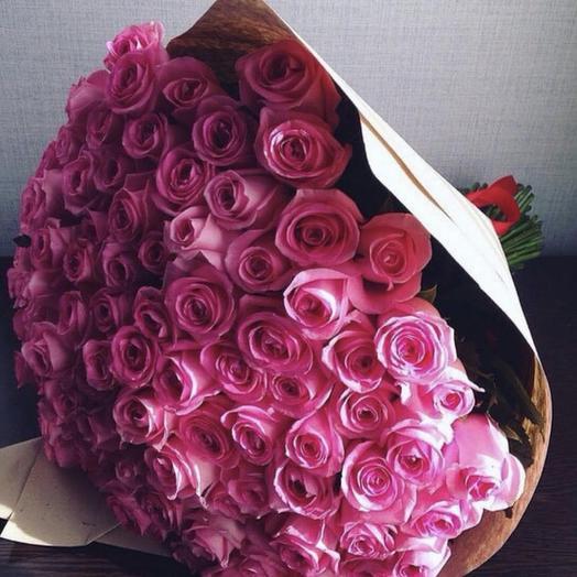101 розовая роза в крафте: букеты цветов на заказ Flowwow
