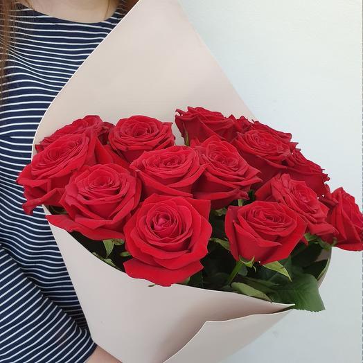 Алые розы 15 шт