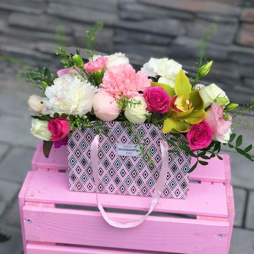 Сумочка с цветами «Тиффани»