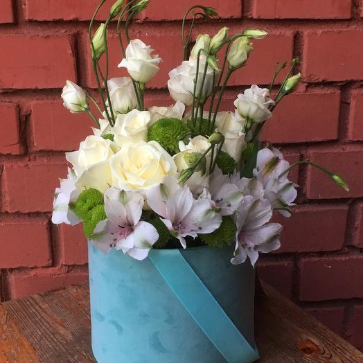 Бархатная коробка с розами, лизиантусами,альстромериями и хризантемами: букеты цветов на заказ Flowwow