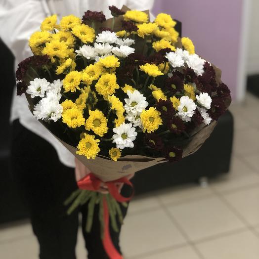 15 мини хризантем в крафте: букеты цветов на заказ Flowwow