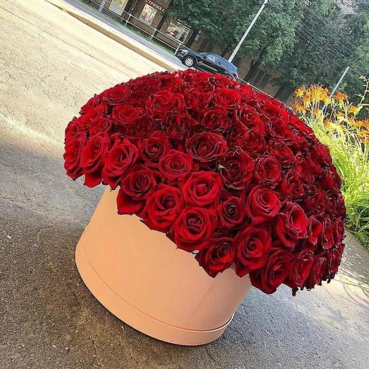 Розы в шляпной коробке 101 шт: букеты цветов на заказ Flowwow