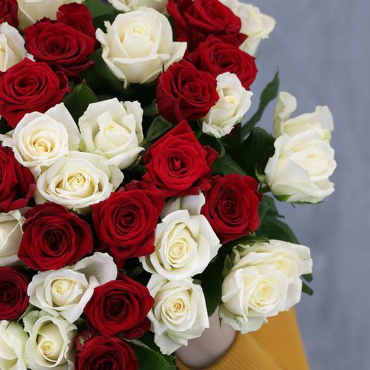 51 роза яркий микс 50-60 см (Россия) под атласную ленту