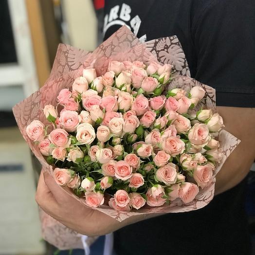 Нежные кустовые розы «Лидия»