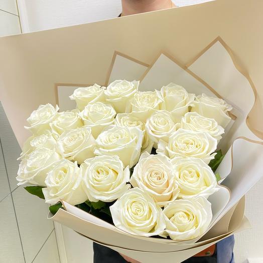 Розы белые 70см