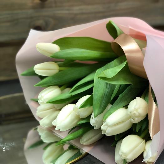 Букет белых Тюльпанов на 8 марта