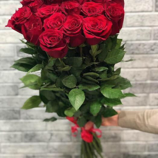 25 красных роз Премиум 70 см
