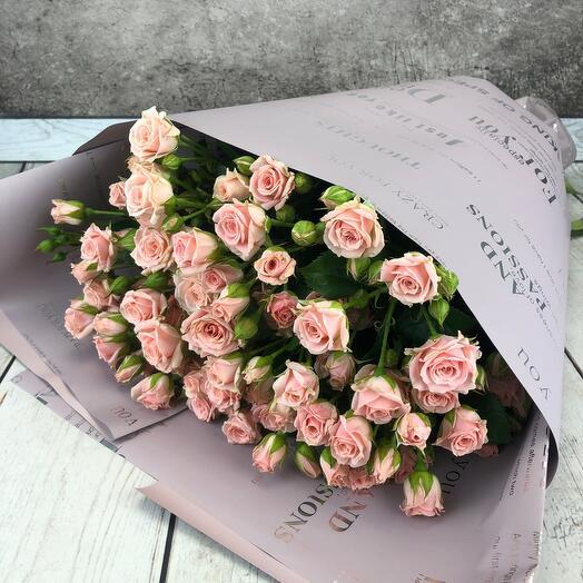 Букет из кустовой розы 11шт