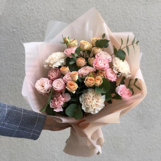 Диантус и кустовые розы