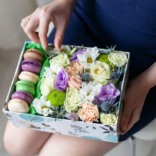 Коробочка 6: букеты цветов на заказ Flowwow