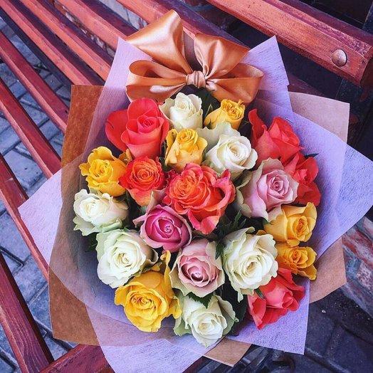 21 роза микс с бантом