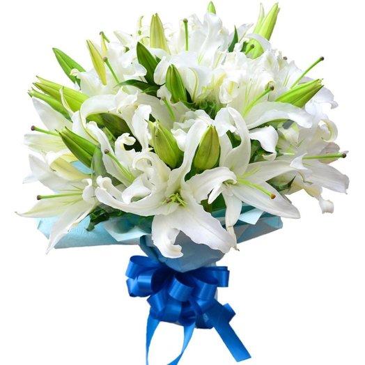 Белая лилия, 15 шт.: букеты цветов на заказ Flowwow