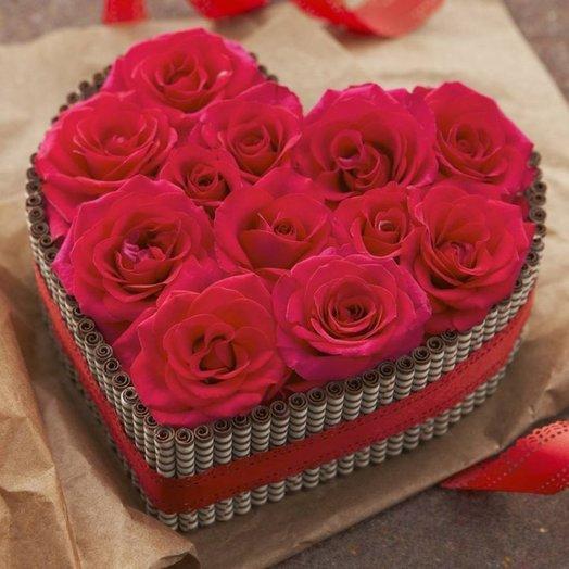 Композиция  Ты- моя любовь! Из красных роз на флористической губке