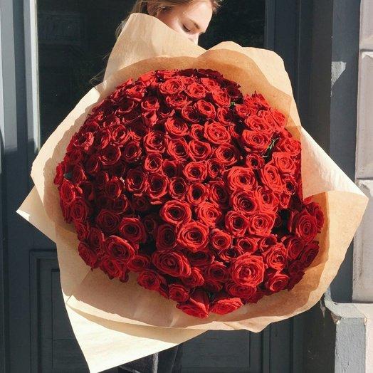 151 красная роза: букеты цветов на заказ Flowwow
