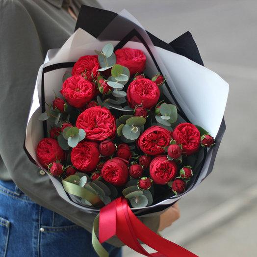 11 пионовидных роз ред пьяно: букеты цветов на заказ Flowwow