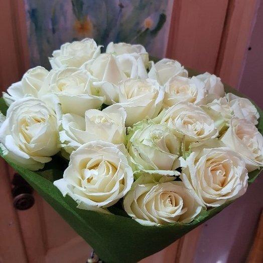 19 роз в фетре от Floristic World.: букеты цветов на заказ Flowwow