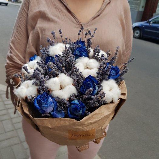 Лаванда с хлопком и розами: букеты цветов на заказ Flowwow