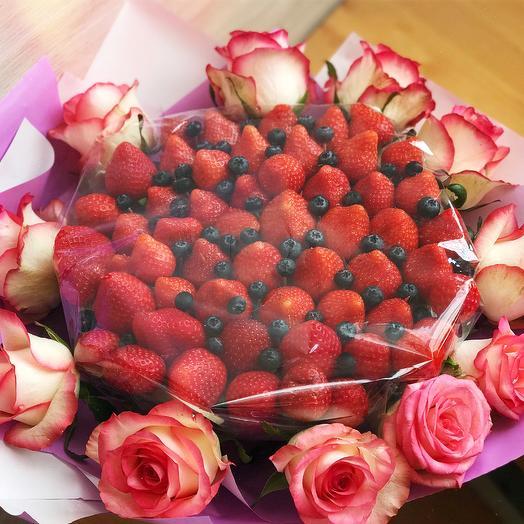 Клубничный букет «большой»: букеты цветов на заказ Flowwow